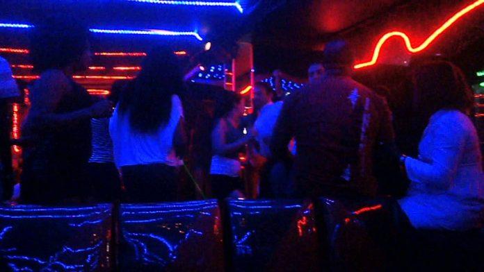 Règlement : New York lève l'interdiction sur la danse dans les bars
