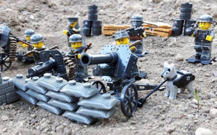 Figurines Lego détournées en soldats nazis en vente sur amazon