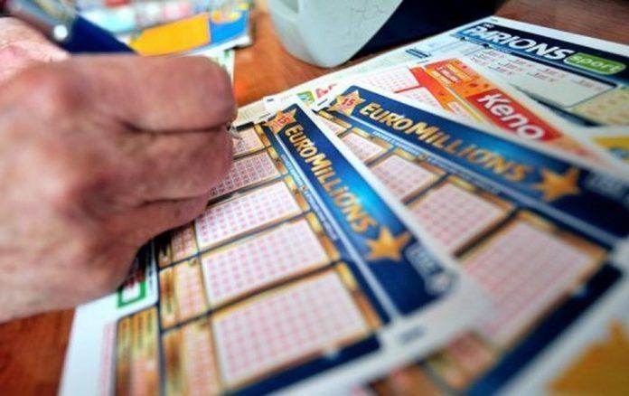 Euro Millions : Une grand-mère et son petit-fils gagnent 1M en Bretagne