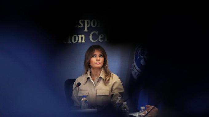 Melania Trump demande que les familles de migrants ne soient plus séparées , et appelle à un accord