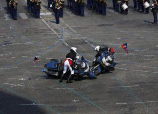 Chute de motards au défilé du 14-Juillet