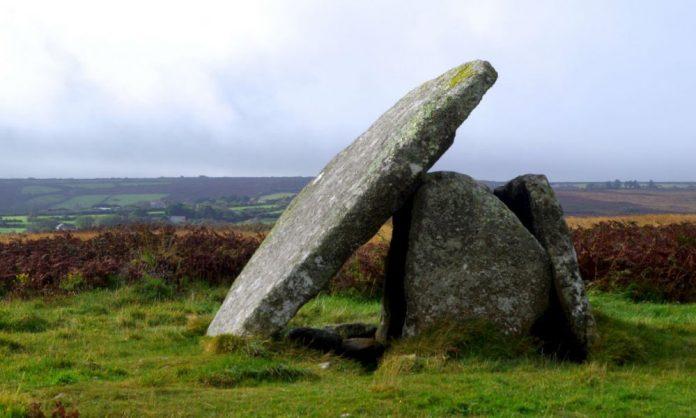 Découvertes des sites archéologiques grâce à la sécheresse au Royaume-Uni
