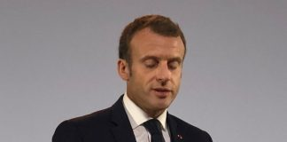 Macron a fait un changement dans l'emblème présidentiel (Photo)