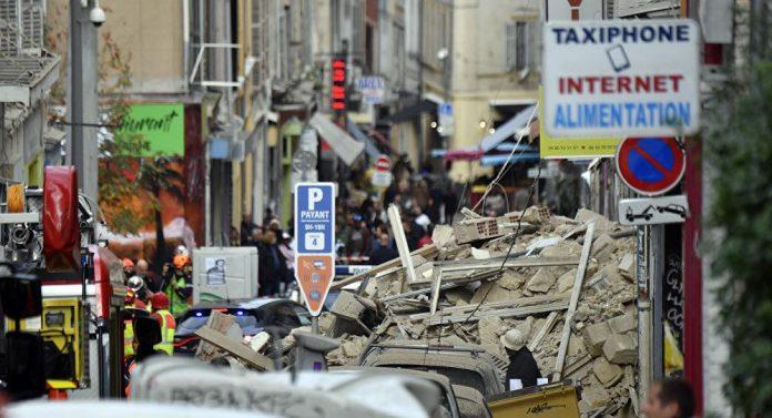 Corps découvert sous les décombres des immeubles écroulés à Marseille