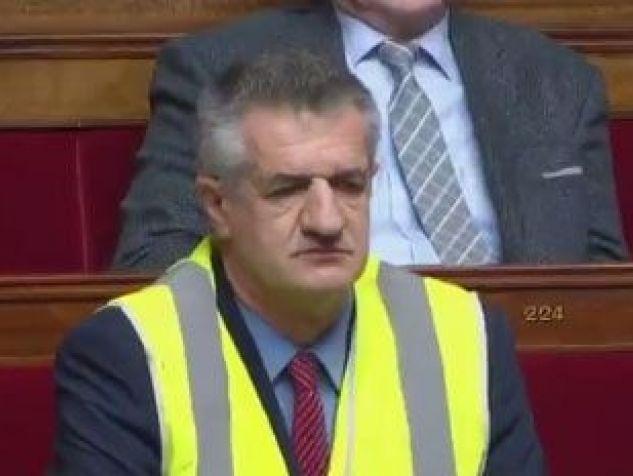 Jean Lassalle en gilet jaune à l'Assemblée (Vidéo)