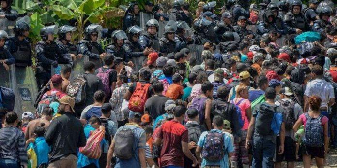 Trump: l'armée pourrait faire feu sur les migrants