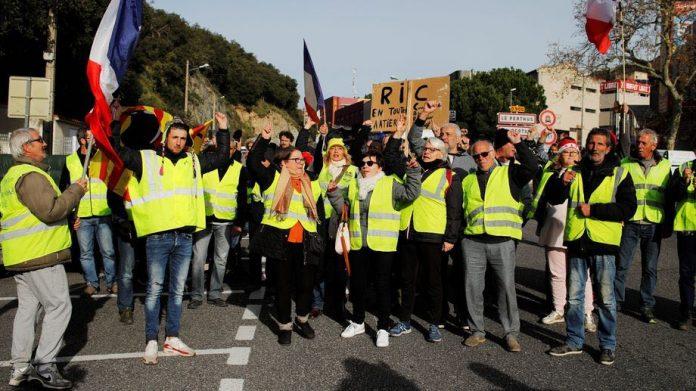 Gilets jaunes acte 6: mobilise peu, un dixième décès à Perpignan