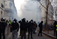 Interpellations des gilets jaunes à Paris: suivez en direct «l'acte 4»