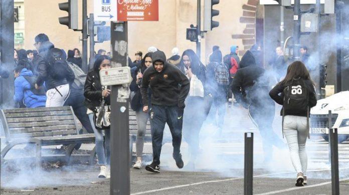 Manifestation des lycéens, blocages, professeurs dans la rue: 170 établissements perturbés