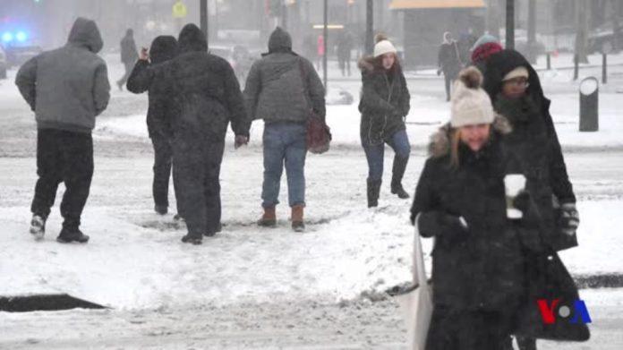 Tempête de neige aux Etats-Unis: des milliers de vols annulés (Détail)