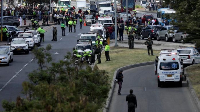 Attentat meurtrier à la voiture piégée à Bogota (Détail)