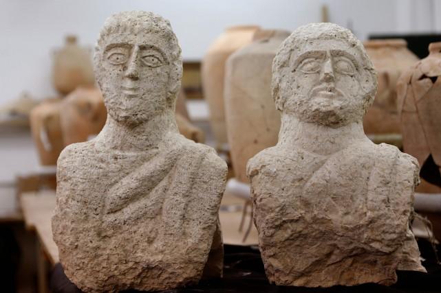 Découverte des bustes de l'époque romaine en Israël