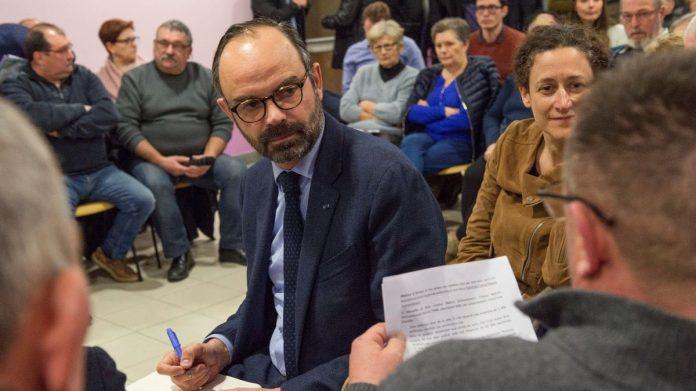 Edouard Philippe s'invite au grand débat dans un petit village de l'Allier