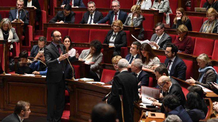 Loi anticasseurs, débats Assemblée : Le Parlement français durcit le ton