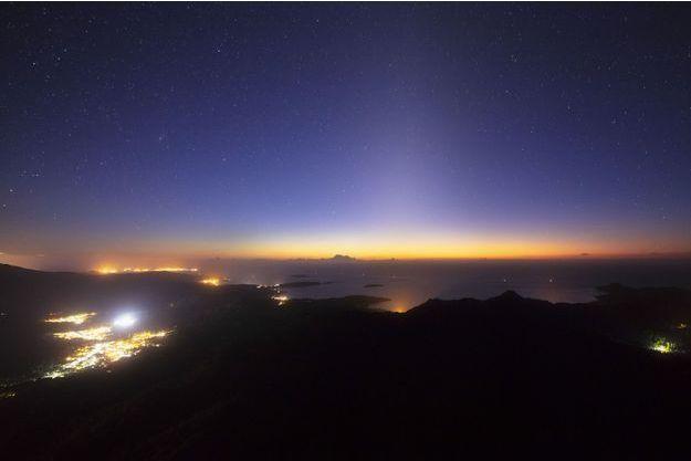 Météorite: Une boule de feu dans le ciel de Mayotte