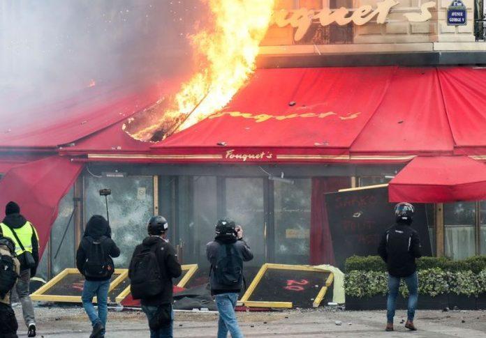 Gilets jaunes acte 18 : Pillages sur les Champs-Elysées
