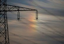 Hausse des tarifs de l'électricité à la mi 2019-Rugy (détail)
