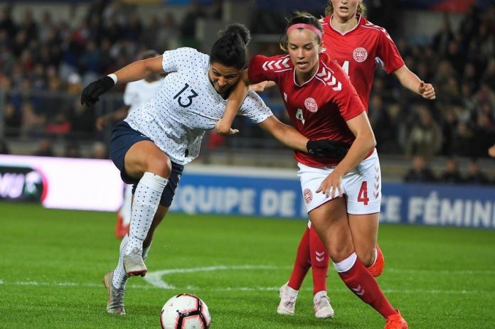 Football féminin, France - Danemark : Les Bleues ont largement battu (4-0) le Danemark