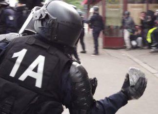 1er-Mai : un policier jette un pavé sur des manifestants (Vidéo)