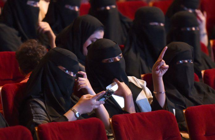 Arabie Saoudite : ouverture des salles de cinéma, malgré l'opposition conservatrice.
