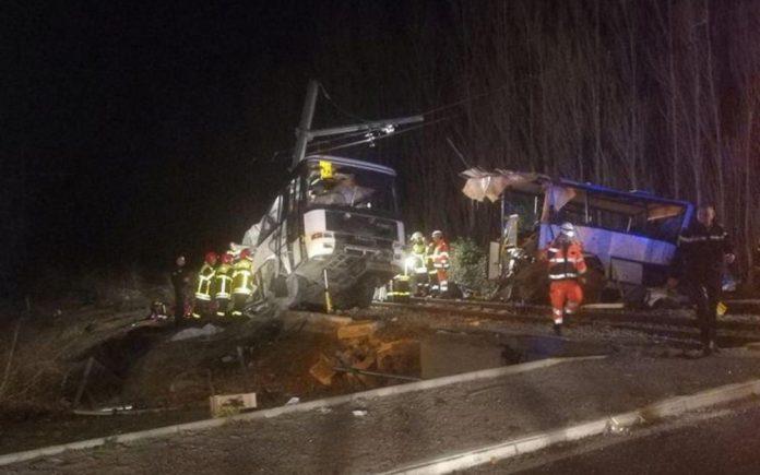 Collision entre un train et un bus à Millas : au moins quatre enfants morts