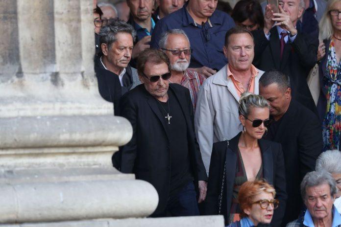 Enterrement de Johnny Hallyday : le rockeur sera inhumé lundi à Saint-Barthélemy