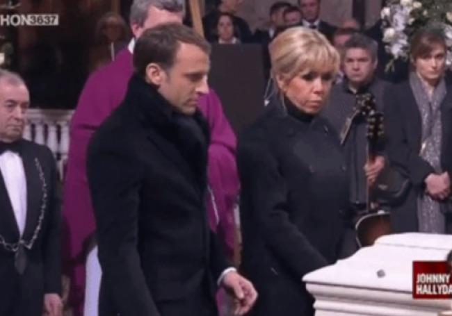 Macron et le cercueil de Johnny Hallyday (VIDÉO)