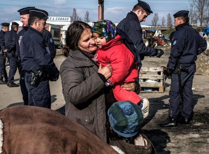 Augmentation des expulsions mettant des milliers de familles roms à la rue