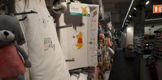 Des souris dans les vêtements pour bébé à Carrefour (Vidéo)