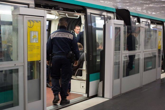 Vol de pierres précieuses dans un métro parisien