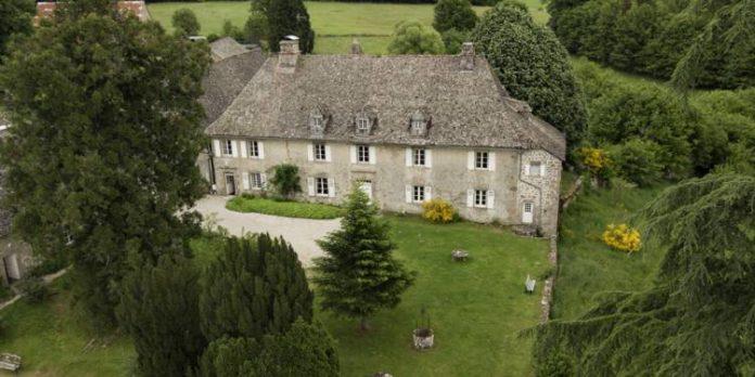 Un château en Corrèze à vendre pour 11 euros