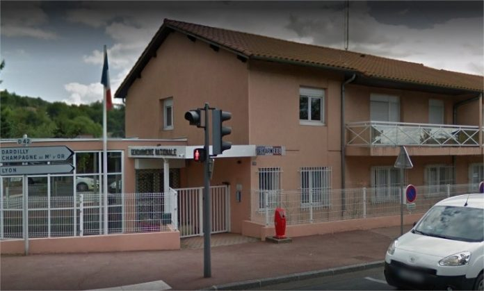 Fillettes mortes dans une caserne de gendarmerie (Rhône) : la mère en garde à vue