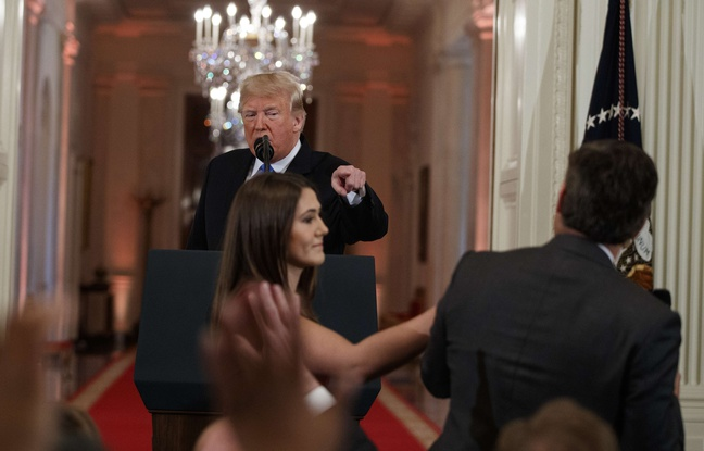 Conférence de presse: Trump étrille un journaliste de CNN