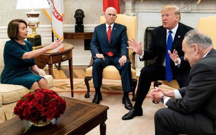 Shutdown : Donald Trump cloue au sol Nancy Pelosi