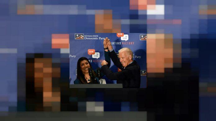 Joe Biden accusé d'un baiser déplacé (détail)