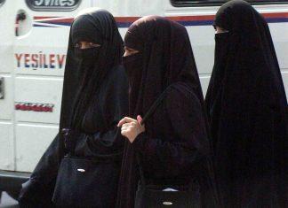 Le Sri Lanka interdit le niqab après les attaques (détail)