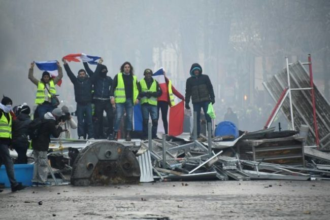 Manifestations du 1er mai : Paris sous haute sécurité (détail)