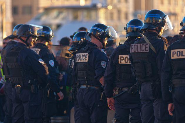 Manifestation des policiers à Paris pour une