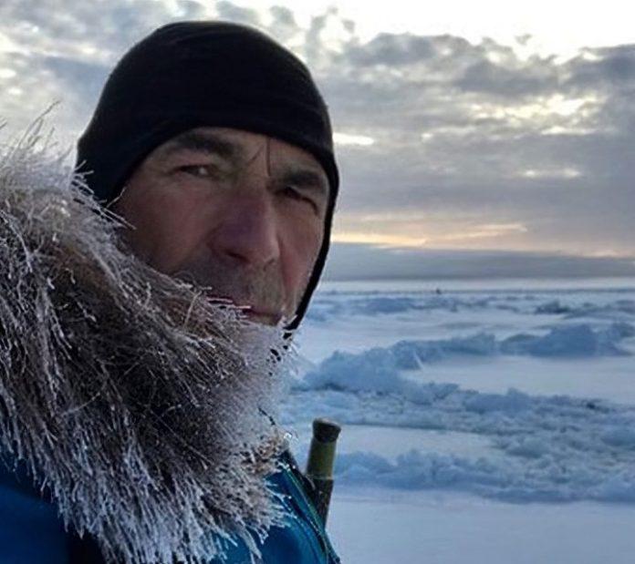 Mike Horn en difficulté près du pôle Nord, ses filles s'inquiètent