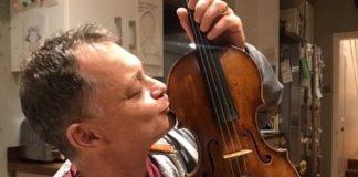 Un violon de 310 ans oublié dans un train retrouvé (détail)