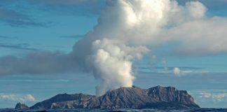 Eruption d'un volcan en Nouvelle-Zélande : cinq morts et une vingtaine de blessés