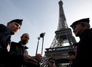 """La menace terroriste """"demeure élevée"""" en France (détail)"""