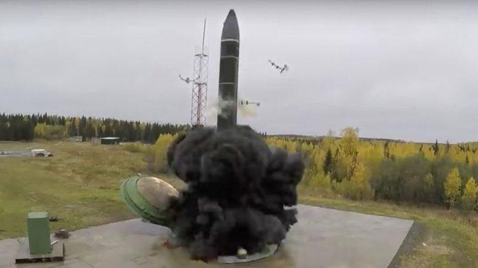 L'arme absolue: Moscou déploie le missile hypersonique Avangard
