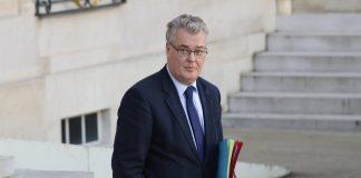 """""""L'oubli"""" de Jean-Paul Delevoye dans sa déclaration d'intérêts tombe mal"""