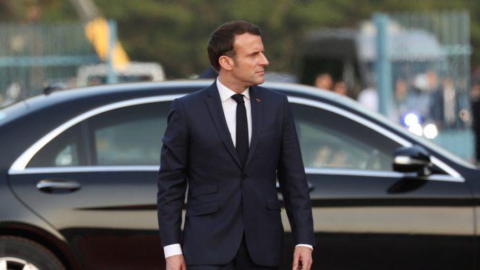 Macron renonce à sa retraite de président (détail)