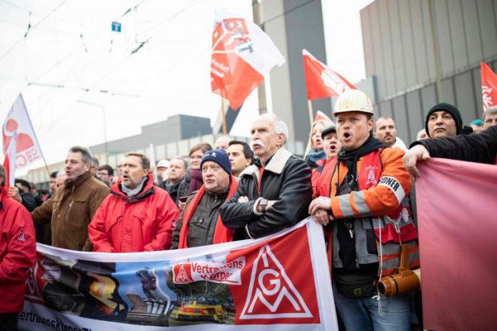 Thyssenkrupp: Manifestation contre les suppressions d'emplois (détail)