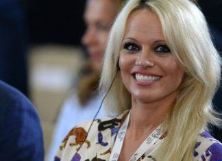 Pamela Anderson: un mariage en secret avec le producteur Jon Peters