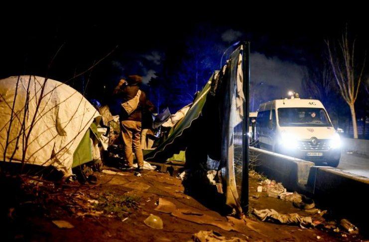 Paris: Évacuation d'un important camp de migrants porte d'Aubervilliers