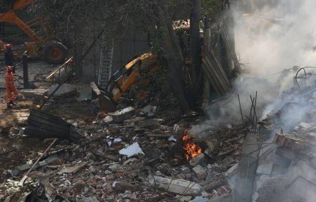 Usine de New Delhi : Un pompier tué et 18 blessés dans l'effondrement