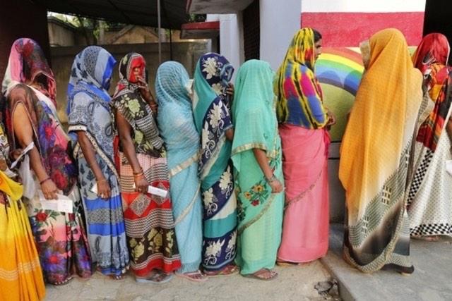 Des étudiantes déshabillées en inde pour voir si elles ont leurs règles